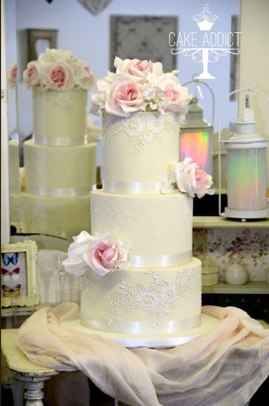 Wedding Cake by Cake Addict - http://cakesdecor.com/cakes/280356-wedding-cake