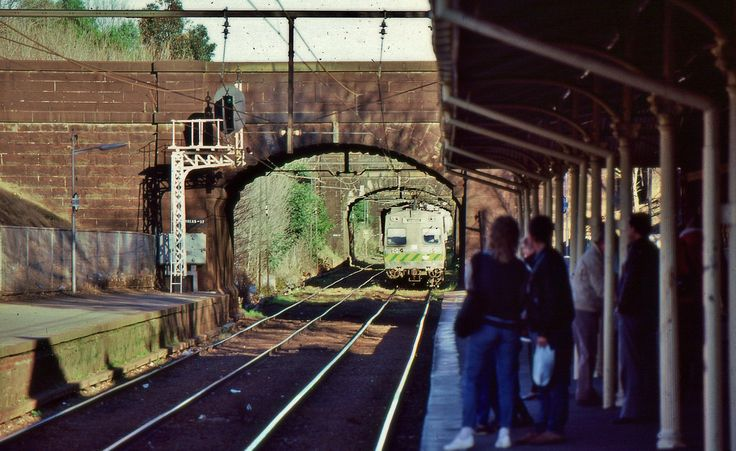 A 3-car Hitachi electric train from St Kilda approaches the station at South Melbourne, Vic, July 12 1987