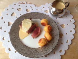 parcequ'il existe autre chose que la dinde à noël , voici un joli petit pavé de cerf  sauce foie gras et ses pommes dauphines . d'une ...