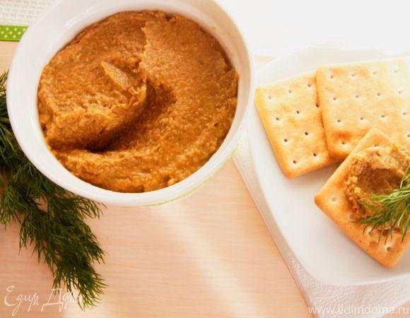 Паштет из чечевицы и грибов  Простой в приготовлении и очень вкусный постный паштет займет достойное место в вашем меню. Жареные шампиньоны, сладкая паприка и сочная чечевица хорошо сочетаются в этом блюде, дополняя его. #готовимдома #едимдома #кулинария #домашняяеда #паштет #чечевица #грибы #шампиньоны #паприка #вкусно #закуска #полезно #постноеменю