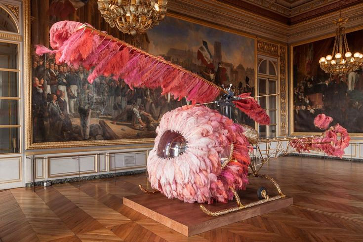 Joana Vasconcelos Versailles Joana Vasconcelos was born in Paris in 1971. Lives and works in Lisbon. Her work is represented in both national and international private and public collections. Solo Exhibition Joana Vasconcelos Versailles Château de Versailles, Versailles 19.06.2012 > 30.09.2012