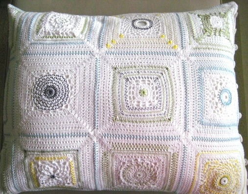 love this pillow...crochet and embrodiery http://elisabethandree.posterous.com/crochet-embroidery