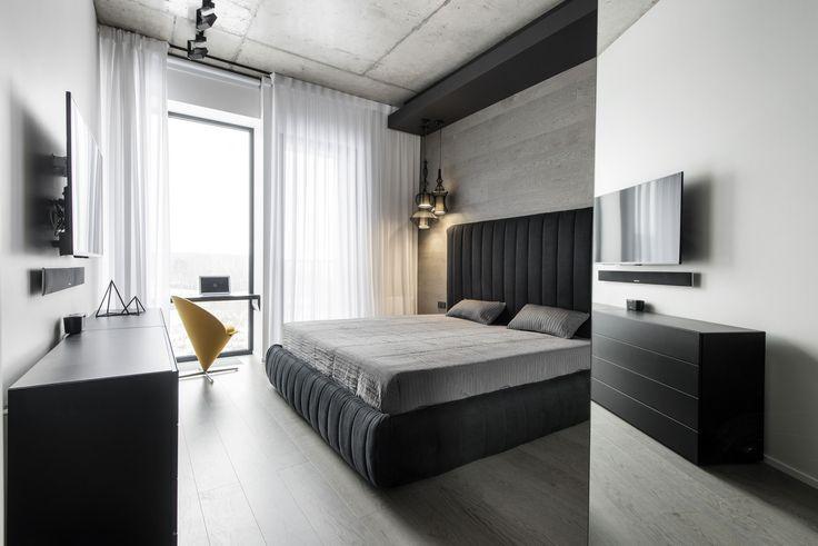 Студия Geometrix Design представила проект квартиры в Москве, интерьер которой основан на игре контрастов. Дизайнеры создали брутальный интерьер с ироничными акцентами, комбинируя монохром, бетон, красивую и удобную мебель, а также игры с пространством и светом. Зону прихожей отделили от зоны гос...