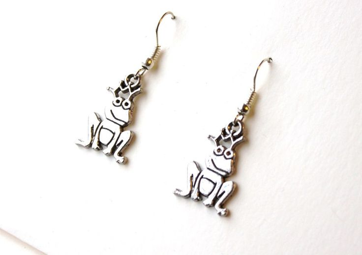 Earrings with frogs from Especially for You available on http://en.dawanda.com/shop/Especially-4-You