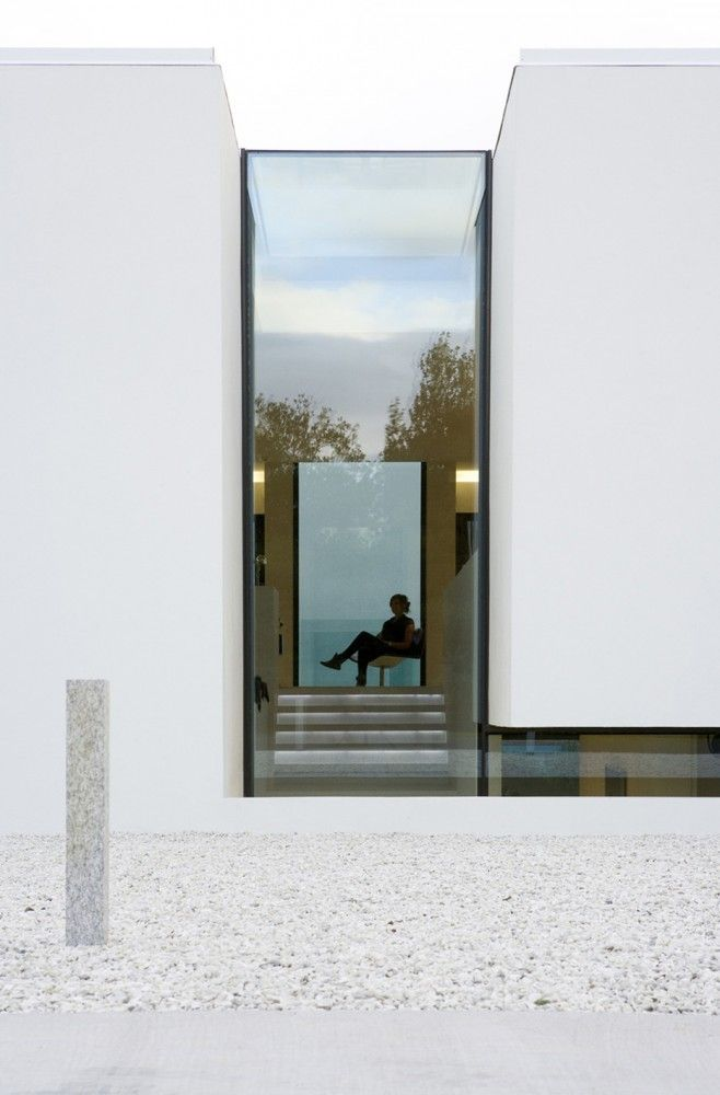 B25 House – big glass walls reflecting nature | building . Gebäude . immeuble | Architect: PK Arkitektar @ archdaily |