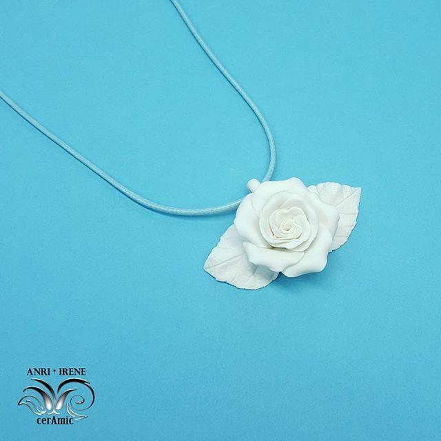 Porcelain jewelry. White rose, bisque porcelain, natural, unglazed. #porcelain #porcelainflowers #porcelainjewelry #porcelainjewellery #necklace #vintage #ceramics#ceramicjewelry #ceramicpendant #pendant #whiterose #clayflowers #ceramicflowers #ceramicrose #clayrose  #luxuryjewelry #anriirene # цветыфарфор #цветыизфарфора #керамическаяфлористика #фарфоровыеукрашения #фарфор #розаизфарфора