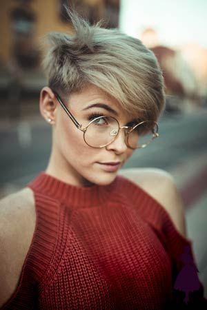 Estilos de pelo corto si no sabes qué corte elegir, ¡inspírate! Fat Face Haircuts, Haircuts For Fine Hair, Short Pixie Haircuts, Girl Haircuts, Hairstyles For Round Faces, Pixie Hairstyles, Hairstyles With Bangs, Cool Hairstyles, Braid Hairstyles