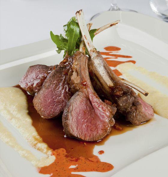 Maxines Burn : Lamb Cutlets with Cauliflower Mash & Asparagus
