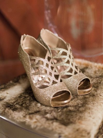 Sparkly gold wedding shoes: http://www.stylemepretty.com/texas-weddings/2014/12/26/emerald-green-winter-wedding-inspiration/ | Photography: Josh Brummett - http://www.jeffbrummettvisuals.com/