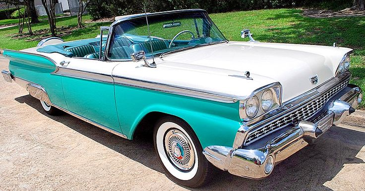 The Sunliner, just like the Skyliner, actually started the 59 model year as a Fairlane 500 until the Galaxie Series was introduced mid-year.