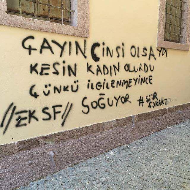 DEFTERİ KAPAT ŞİİR SOKAKTA
