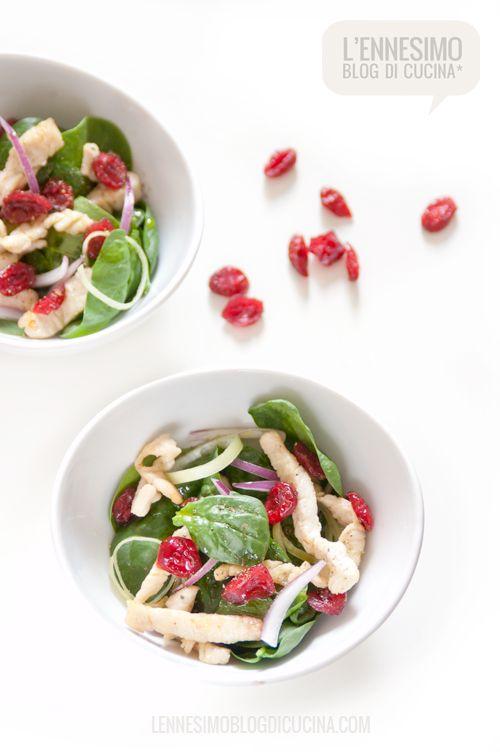 Insalata di spinacini con petto di tacchino e mirtilli rossi (turkey salad with cranberries) ©lennesimoblog