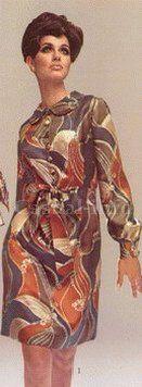 70-е Синтетические платья и блузки с крупными яркими узорами есть в гардеробе, практически, у каждой женщины.