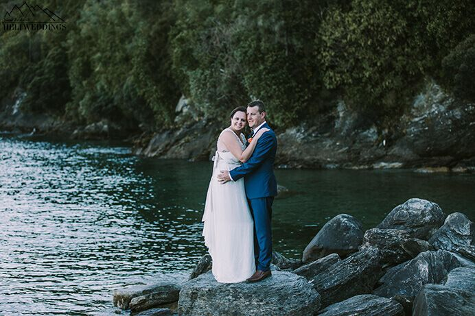 wedding photos of bride and groom. Destination Heli weddings Queenstown.