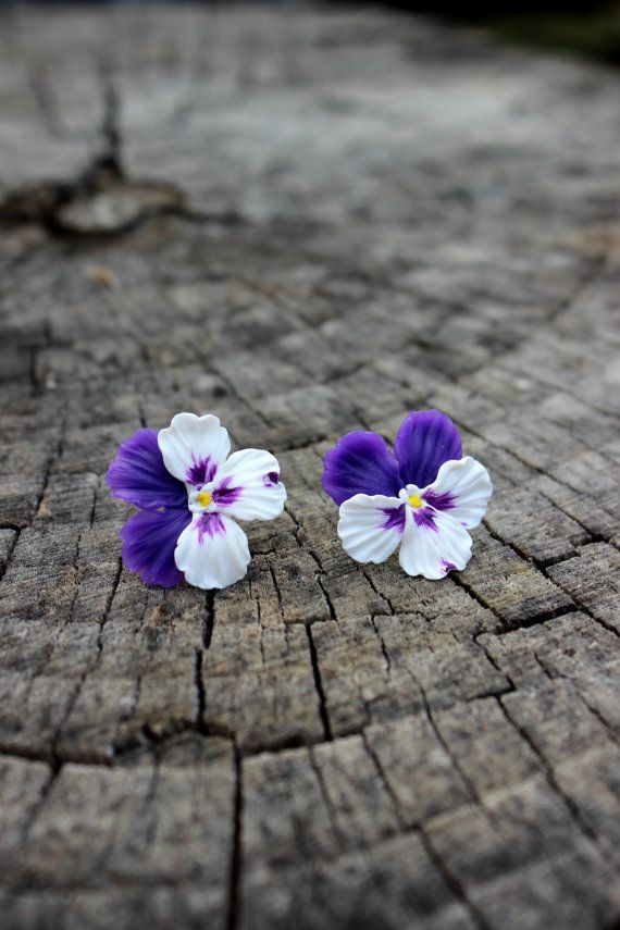 Polymer Clay Earrings Pansies Stud Earrings Polymer Clay Etsy In 2020 Polymer Clay Flowers Polymer Clay Earrings Polymer Clay Jewelry