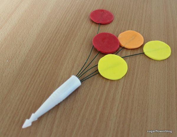Sådan laver du balloner i fondant eller gumpaste