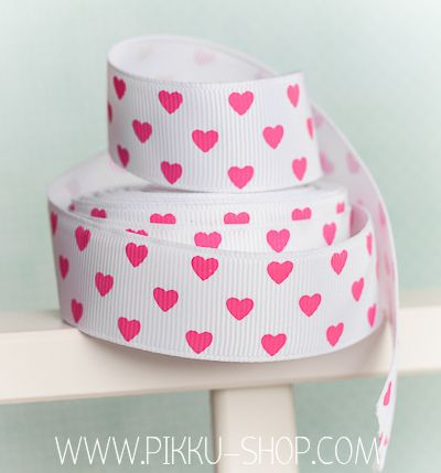 Pink Hearts ribbon from Pikku Shop | www.pikku-shop.com | #cute #kawaii #grosgrain #heart