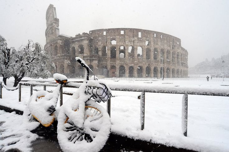 Rome Was Hit by a Rare Snowstorm, and the Photos Are Completely Beautiful