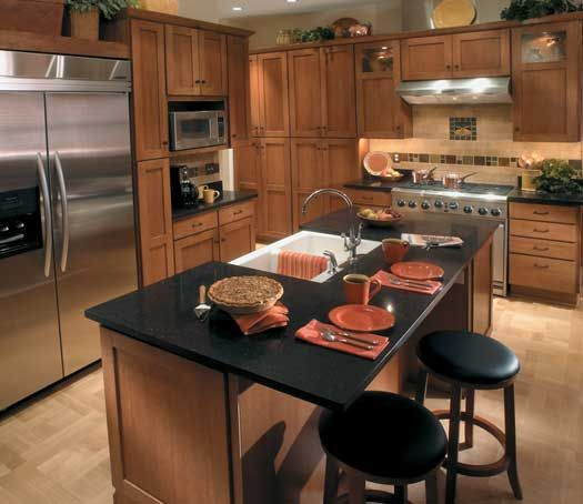 Paint Colors With Medium Oak Kitchen Cabinets: StarMark Cabinetry Farmington Door Style In Quarter Sawn Oak Finished In Toffee With Chocolate