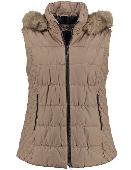 Een all-rounder voor de chique garderobe! De warme gewatteerde bodywarmer is ideaal voor de koudere dagen van de herfst en voor al uw styling ideeën.... Bekijk op http://www.grotematenwebshop.nl/product/sportieve-bodywarmer/