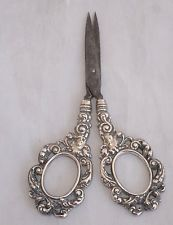 1901 Birmingham Repousse Sterling Silver Handled Sewing Scissors/Nail Scissors