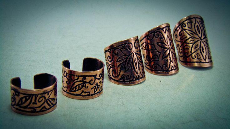 Inele din cupru gravate cu diferite simboluri - HadarugartArta inseamna viata