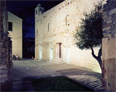 Restauro Chiesa-Fortezza San Pietro - Premio PAI 2012_Categoria Restauro e Recupero di edifici esistenti - Cipressa, Italy - 2010 - Luca Dolmetta Foto Andrea Bosio #architecture