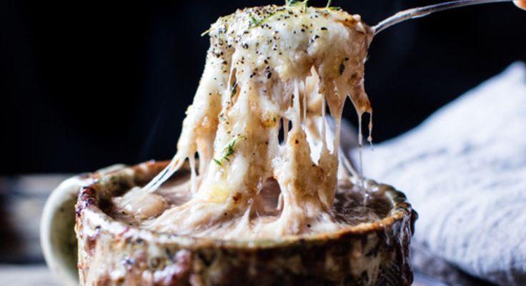 LA recette ultra cochonne et réconfortante de soupe à l'oignon à essayer cet hiver!