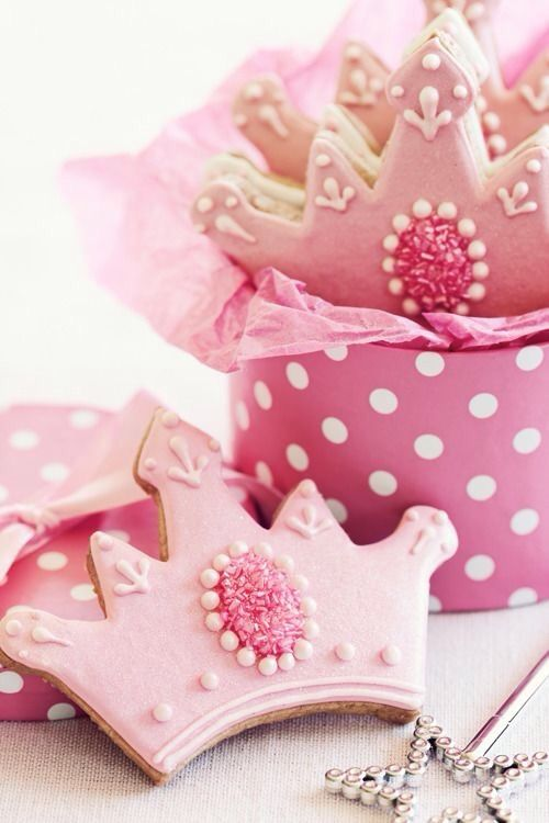 Pink Crown Cookies