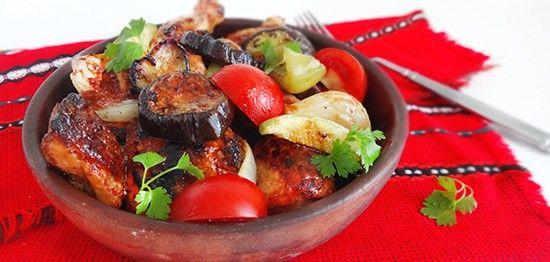 Курица в мацони жареная с овощами (Roasted Chicken in Yoghurt with Vegetables)