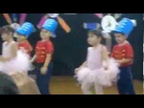 A bailarina e o soldadinho de chumbo- coreografia- Professora Claudia