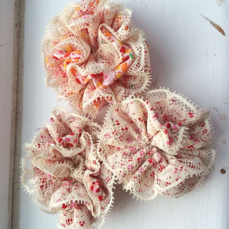 Puff brooches