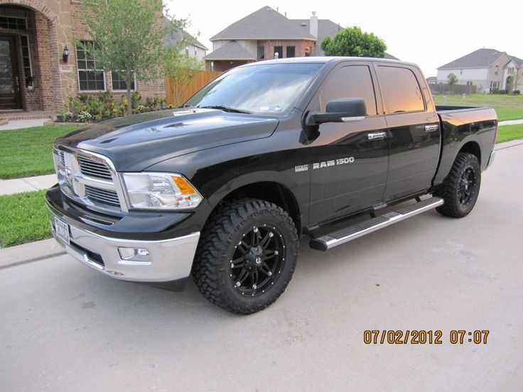 Dodge Ram 1500 20x9 Fuel Hostage & 305/55/20 Nitto Trail