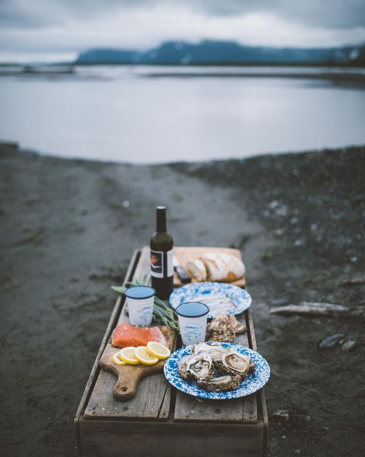 Celebrate the bounties of the ocean caught by hardworking fishermen. Tell your children stories of the sea. Share Wild Alaska Seafood with your loved ones - there is no greater gift than sharing good health and good food with good people. Wild Alaska Salmon Halibut Pacific Cod and Sablefish for sale on our webshop. @camrindengel #aksalmonsisters #wildalaskaseafood #eatwildeatlocal #wildpeopleforwildplaces #knowyourfisherman