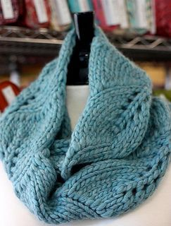 Vite (grapevine in Italian) is the perfect one-skein project with a super bulky yarn, such as Cascade Magnum. The lacy vine pattern makes this cowl/scarf less than overwhelming when doubled. Free pattern