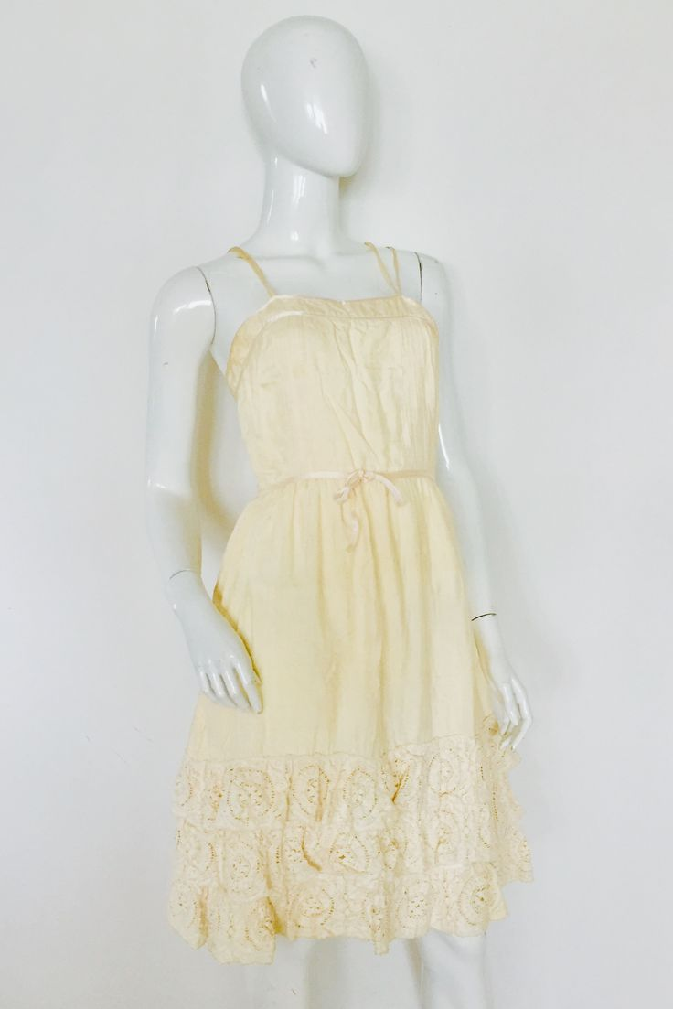 Cream dress with no tags size 8/10