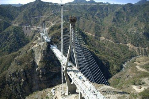 Most, pod kterým by se schovala i Eiffelova věž | Baluarte-Mexiko