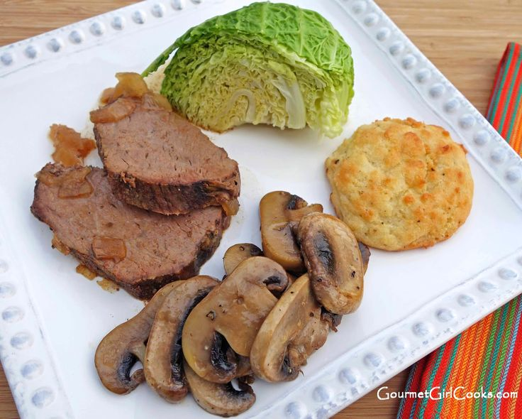 Gourmet Girl Cooks: Slow Cooker Spice Rubbed Tri-Tip Roast