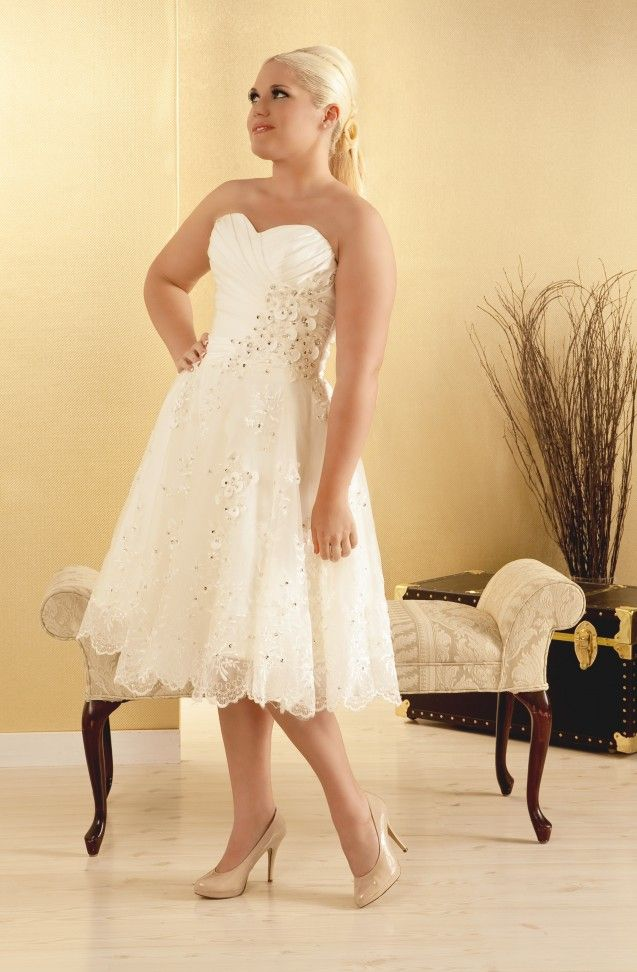 198 best Short Plus Size Wedding Dress images on Pinterest ...