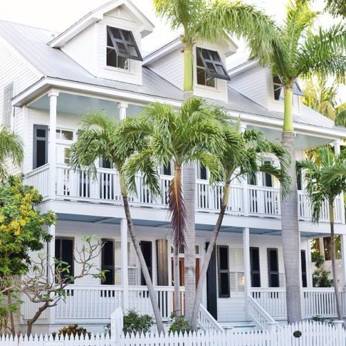 pleasurable exterior beach house colors. It s still Thursday here  so there time for a tbt Take me 554 best House exterior images on Pinterest Exterior homes Front