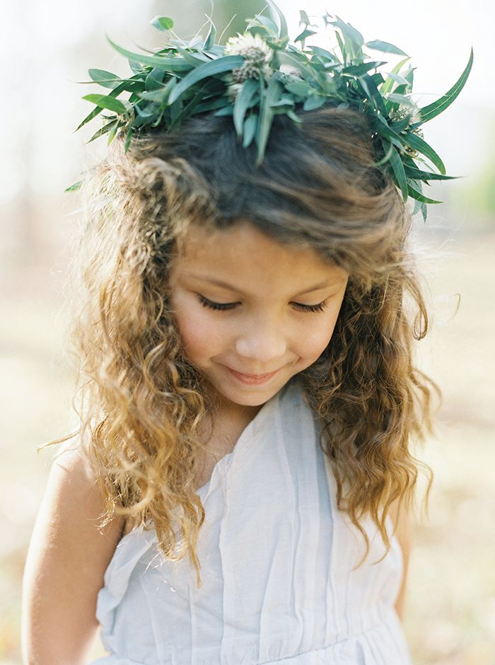 The cutest flower girl face.