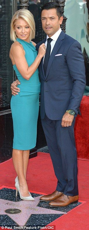 ♥♥♥Kelly Ripa♥♥♥ Her two main men: The 45-year-old took turns posing with Mark and her co-host Michael Stra...