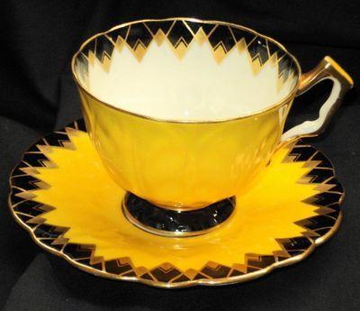 Aynsley Gold Black Diamond Dark Yellow Texture White Tea Cup and Saucer