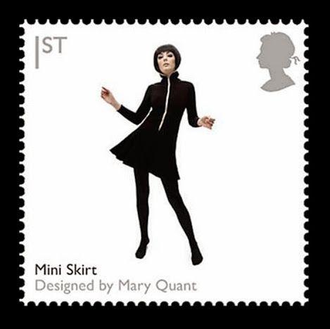 """Mary Quant e a minissaia   A minissaia, descrita como uma das peças que definiram a moda da década de 1960 , é uma das peças mais amplamente associadas com Quant.   http://sergiozeiger.tumblr.com/post/110668826428/mary-quant-dame-mary-quant-nascida-em-11-de  Enquanto ela é frequentemente citada como a inventora do estilo, esta alegação foi contestada por outros. Marit Allen , uma jornalista de moda contemporânea e editora do influente """"Young Ideas"""" páginas para a Vogue UK ,"""