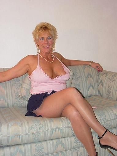 Blond English Mature Women 108
