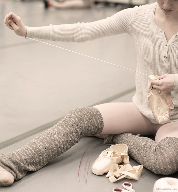 New York City Ballet, warm up, ballerina pointe shoes / Garance Doré