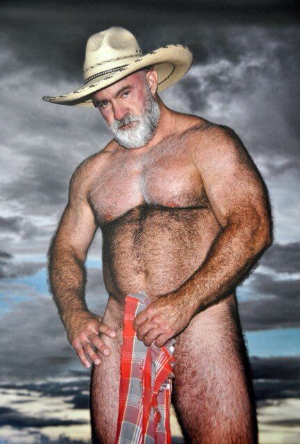 Homens maduros nus