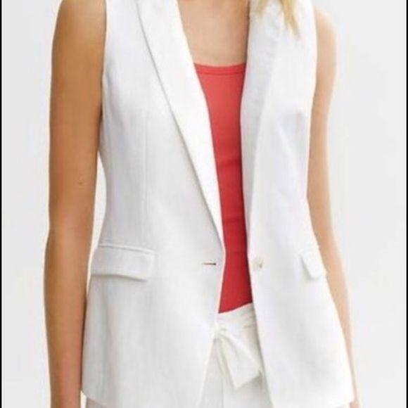 Banana Republic Jackets & Blazers - 💫flash sale Banana Republic sleeveless white blzr