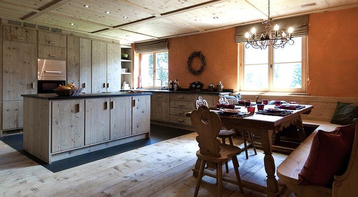 Sehr exklusives & gemütliches Ferienhaus in St.Anton am Arlberg. Luxuriös eingerichtet im Alpen-Chic mit Kamin, Spielzimmer für Kinder & private Sauna