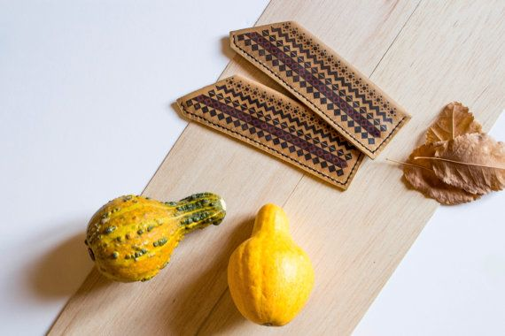 Leather pencil case // handmade & hand stitched pencil by Tradde